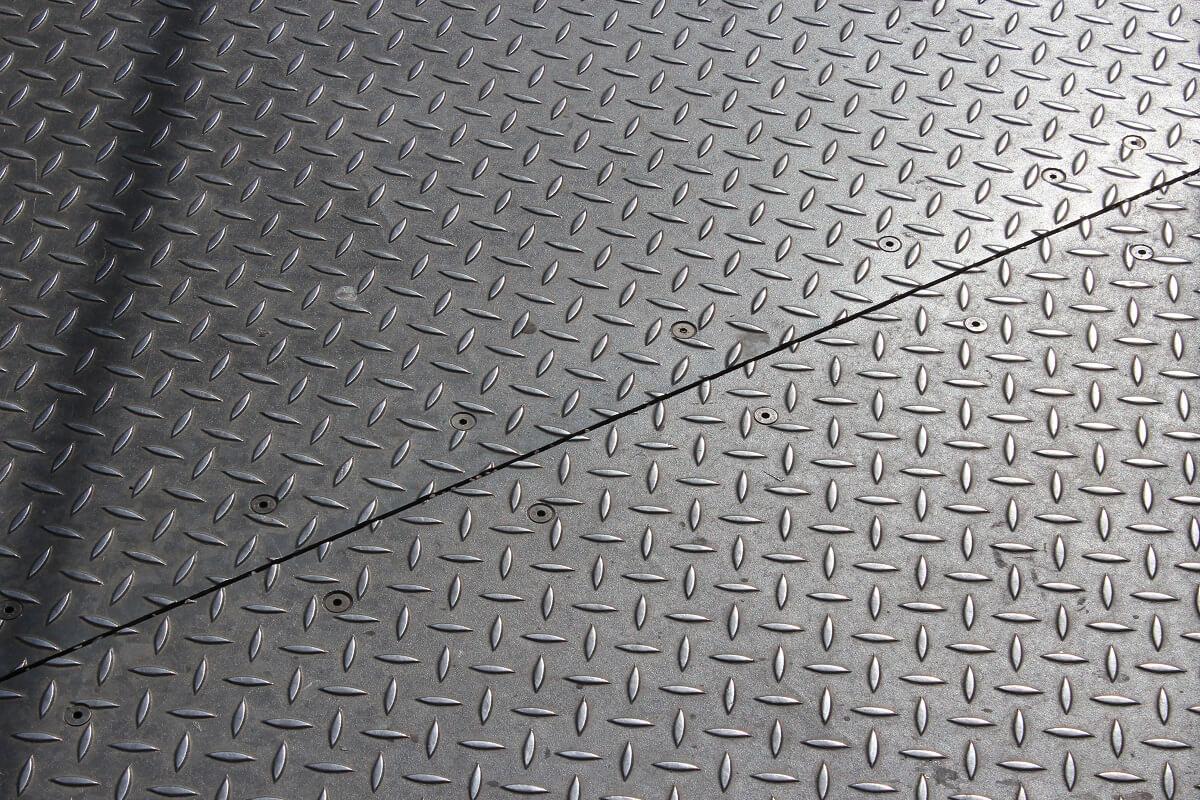 Stahlplatte auf einem Aussichtsturm in Stuttgart