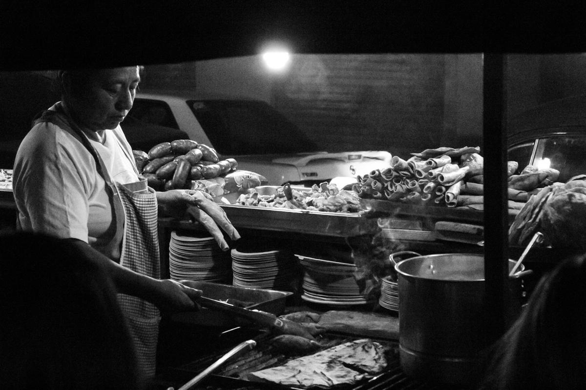 Tacos y Tlayudas